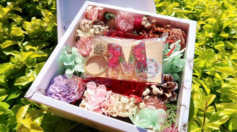 生活 – Make a we HSU 許個願 – 真花耳環、字母鑰匙圈、乾燥花飾品,浪漫與質感兼具的生活小物